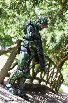 "Le cosplayeur Brador en Master Chief de la saga Halo   Découvrez sa page => https://www.facebook.com/pages/Brador-Cosplay/266422076869391   Son association ""Cosplay franche comté"" => https://www.facebook.com/groups/cosplay.franchecomte/  Sora-Kun Photographie"