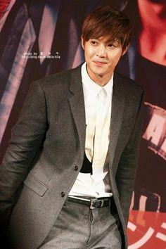 Kim Hyun Joong 김현중 ♡ Kpop ♡ Kdrama ♡ Brad Pitt, Play Kiss, Leonard Dicaprio, Baek Seung Jo, Asian Celebrities, Celebs, Kim Joon, Hyun Bin, Boys Over Flowers