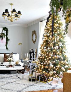 Christmas Home Tours | the holiday home of Kristin Cadwallader of Bliss at Home | black gold silver glam Christmas | striped ribbon | black and gold decorations