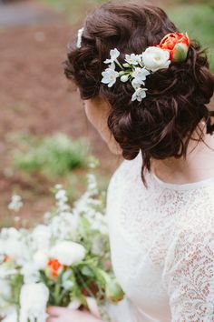 Rustic and Retro Styled Shoot in Glasgow Botanic Gardens and West End | Way Out Wedding