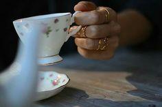 ❤ Nuestros anillos de plata bañada en oro. Consiguelos en la web y averigua tu talla si no la sabes en la entrada Talla de anillo de nuestra seccion BLOG.    Www.casildafinatmc.com    #casildafinatmcjoyas #casildafinatmc #anillos #rings #silver #goldplated #jewels #jewellery #invitadaperfecta