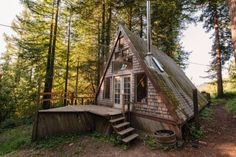 amazing-tiny-a-frame-cabin-in-the-redwoods-015