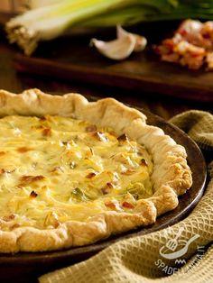 Leek quiche and brie - La Quiche di porri, patate e brie è davvero un must per veri ghiottoni. L'accostamento dei tre ingredienti è quanto di più saporito possiate immaginare! #quichediporri #quichedibrie