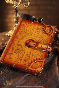 Steampunk Leder-Hülle für iPad, iPad2 und new iPad - iPad cover - site is in German - available for purchase