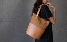 Longchamp, Tote Bag, Bags, Fashion, Handbags, Moda, Fashion Styles, Carry Bag, Taschen