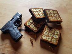 Posavasos de pino con 9 gastado cada escopeta Base de aceite Culatas manchado. Lacado con un suave brillo 3 1/2 x 3 1/2