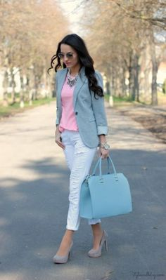 I like the style of this blazer.