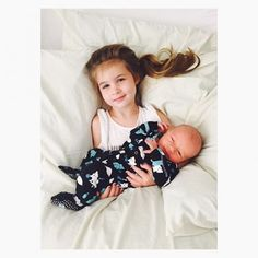 Tiffani Thiessen Shares Adorable Photos of Daughter Harper Cradling Her Newborn Baby Brother Cute Family Pictures, Family Photos, Kids News, Tiffani Thiessen, Intimate Photos, Celebrity Babies, Celebrity Gossip, Welcome To The Family, Cute Celebrities