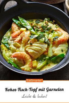 Coconut fish pot with shrimp - Kokos-Fisch-Topf mit Garnelen We love shrimp! And together with coconut, fish and fresh vegetables, a colorful dish is created! Shrimp Recipes, Fish Recipes, Asian Recipes, Beef Recipes, Cooking Recipes, Healthy Recipes, Ethnic Recipes, Delicious Recipes, Vegetable Soup Healthy