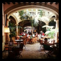 Beautiful setting at the Grand Café Cappuccino San Miguel in #PalmadeMallorca