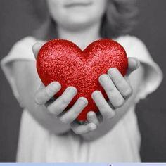 """""""La mente si arricchisce con quello che riceve, il cuore con quello che dà"""" (Balzac)."""
