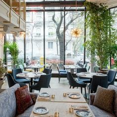 Best Hotels In Madrid, Madrid Travel, Foto Madrid, Rooftop Bar, Restaurant Design, Store Design, Trip Planning, Places To Go, Spain