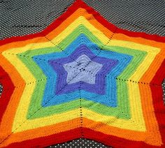 Alfombra a crochet multicolor