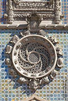 architecturia: Um roundel de estilo manuelino do Palácio da Pena em Sintra, Portugal