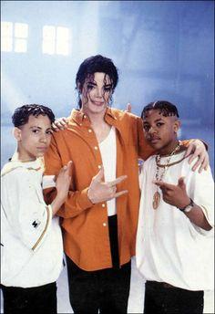 Michael Jackson & dancers on the set of Jam