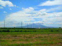 Campos de maiz en las faldas del Volcán Popocatepetl.