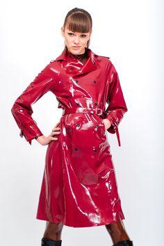 Décembre 2015 Red Raincoat, Plastic Raincoat, Raincoat Jacket, Alexandra  Potter, Plastic Mac ebfcbaa362