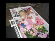 Buried with her pacifier and her favorite doll. Post Mortem Pictures, Victorian Era, Victorian Photos, Post Mortem Photography, Momento Mori, After Life, Pre And Post, Before Us, Vintage Children