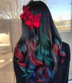 Experts who used to work ombre styles are now concentrating on fancy rainbow hair colors these days. Looking for Christmas Hair Colors Ideas? Here is 7 Crazy Rainbow Christmas Hair Colors Ideas for Trendy Girls to wear, Check them NOW Christmas Hair, Christmas Eve, Christmas Colors, Cool Hair Color, Amazing Hair Color, Oil Slick Hair Color, Pretty Hairstyles, Anime Hairstyles, Hairstyles Videos