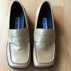 STEVE MADDEN Loafers Excellent condition! Lightly worn. Minor pinkish mark on one of the shoes, but it's not as obviously noticeable. Steve Madden Shoes Flats & Loafers