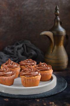 Mogyorókrémes cupcake - mogyorós muffin recept Hazelnut cupcake recipe Cupcake Recipes, Mousse, Ale, Muffin, Cupcakes, Cookies, Sweet, Food, Crack Crackers