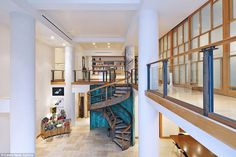 Big sell:Keira Knightley's former New York City apartment has sold for a cool $6.4 millio...