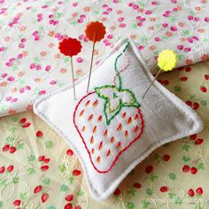 Strawberry Stitches Pincushion {Tutorial + FREE pattern}