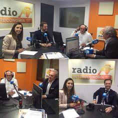 """Hoy, una edición más del programa """"A fondo con Feelcapital"""" en Visión Global de Radio Intereconomía (todos los jueves a partir de las 19:20h). En las fotos, Antonio Banda, CEO de Feelcapital, acompañado en esta ocasión de dos invitados: Pilar Bravo (Gesconsult Finconsult) y Ricardo Comín (Vontobel). La tertulia conducida una vez más por el periodista económico Manuel Tortajada. #FondosDeInversión #GestorasDeFondos (4 de mayo de 2017)."""