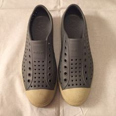 Gray sneakers Gray lightweight sneaker which provides comfort all day. Has all over perforations that allow your feet to breathe. Good condition. native Shoes Athletic Shoes