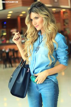 LOOK   Total Jeans - Camisa e calça flare