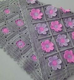 Ideas Crochet Granny Square Dress Pattern Baby Blankets For 2019 Crochet Flower Tutorial, Crochet Flower Patterns, Afghan Crochet Patterns, Baby Knitting Patterns, Crochet Designs, Crochet Motifs, Granny Square Crochet Pattern, Crochet Granny, Crochet Squares