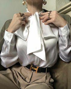 Shiny Elegant Silk Blouses for Women Shiny Elegant Chic Cozy Silk Blouses for Women.You can find Silk blouses a. Classy Aesthetic, Aesthetic Fashion, Look Fashion, Aesthetic Clothes, Fashion Design, High Fashion, Elegance Fashion, Fitness Aesthetic, Aesthetic Vintage