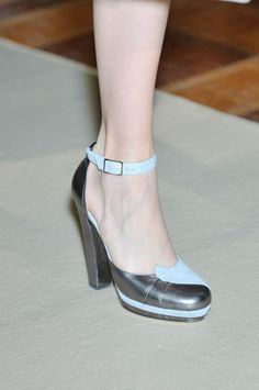 Luisa Beccaria at Milan Fashion Week Fall 2011 - Details Runway Photos