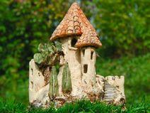 Kleine Burg Keramik Windlicht