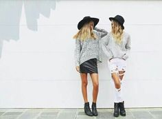 Best friends look cool wearing matching black hats and black boots Outfits Otoño, Fall Outfits, Lisa, Passion For Fashion, Love Fashion, Besties, Bestfriends, Street Style Outfits, Womens Fashion Online