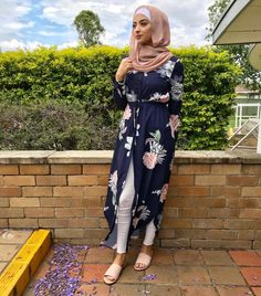 #hijabioutfits Abaya Fashion, Modest Fashion, Fashion Dresses, Muslim Women Fashion, Islamic Fashion, Hijab Style Dress, Hijab Outfit, Mode Turban, Mode Kimono