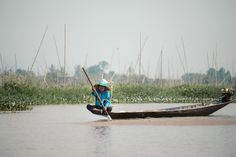 Complete guide to planning and booking an Inle Lake boat trip from Nyaung Shwe. Tips for getting the best Inle Lake boat tour and where to book. Lake Boats, Inle Lake, Boat Tours, Traditional, Travel, Viajes, Destinations, Traveling, Trips