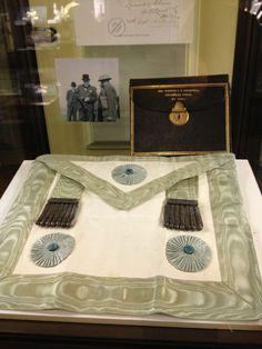 Freemasonry: Winston Churchill's #Masonic apron.