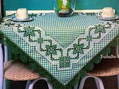 Bordado Tutorial: bordado en tela escocesa Cross Stitch Tree, Cross Stitch Borders, Cross Stitch Embroidery, Embroidery Patterns, Chicken Scratch Patterns, Chicken Scratch Embroidery, Diy Arts And Crafts, Handmade Crafts, Bargello Needlepoint
