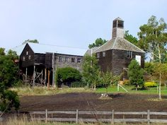 The Oust House, from the hop-growing region of New Norfolk/Derwent Valley. Derwent Valley, Southport, Australian Homes, Family Memories, Tasmania, Norfolk, Continents, East Coast, Us Travel