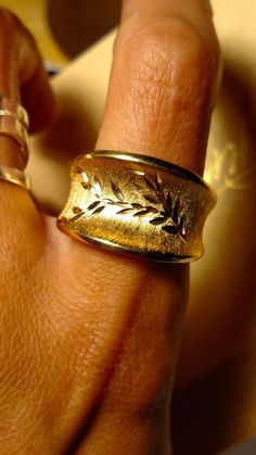 Bellezza Signed Wide Gold Textured Band Ring ITALY Size 10 HSN Jewelry #Bellezza #Band