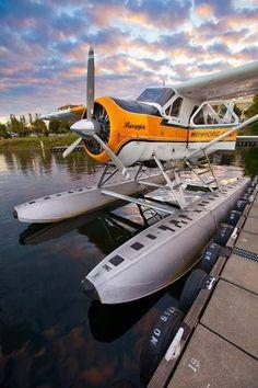 de Havilland Beaver from Lake Union Seattle pmw