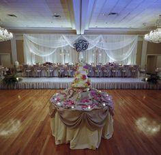 Abbington Distinctive Banquets / Andre LaCour Photography / http://andrelacour.com / Chicago