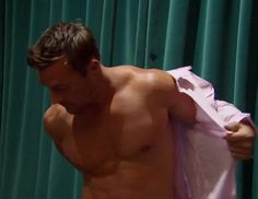 Ladies, get ready to be swooned. It's an almost shirtless Chris Soules! He's the 32-y/o farmer-slash-millionaire that's vying for Andi's heart in The Bachelorette. His underrated but maximum level of charm just caught me from the very beginning (not to mention good looks!), and his humility (not even bragging about his money and his larger than life estate of acres and  acres of land in Iowa) is so attractive. If Andi doesn't snag him, I'll be more than happy to snatch him from her hands.
