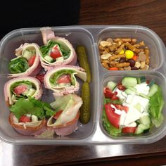 Lunch - sandwich sushi (ham, turkey, provolone, lettuce, tomato, cucumber & a touch of ranch) #EasyLunchboxes