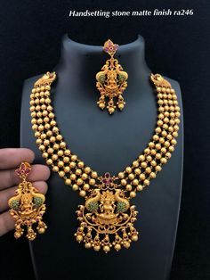 Temple jewellery Available at for booking msg on Indian Wedding Jewelry, Bridal Jewelry, Beaded Jewelry, Indian Jewelry, Gold Temple Jewellery, Gold Jewellery Design, Gold Jewelry, Diamond Jewelry, Gold Mangalsutra Designs