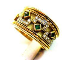 HEAVY 18K GOLD DESIGNER EMERALD VS DIAMOND ETRUSCAN RING!!!!