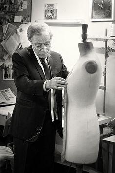 essais sur buste mannequin L'atelier de couture d'Alfredo Rodrigues, tailleur rue de Bourgogne à Orléans - France
