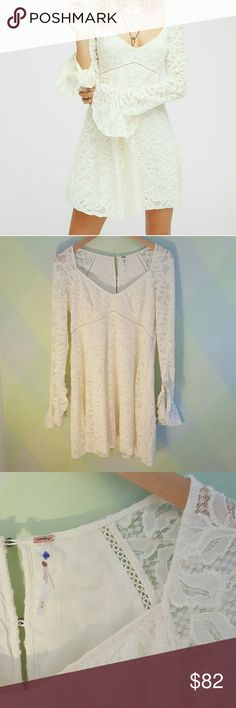 NWOT- Free People Blue Skies babydoll dress -M Belled Sleeve, lace, button up back Free People Dresses Long Sleeve
