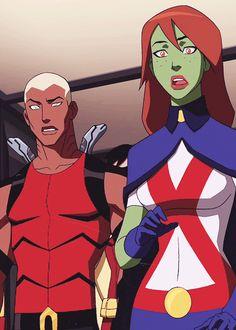 Kaldur (Aqualad) & M'gann (Megan) I love how robin peeks out! Lol!